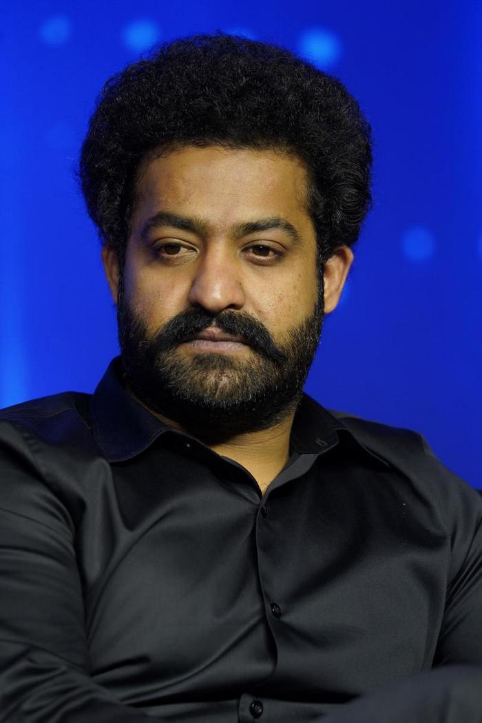 NTR as Host For Evaru Meelo Koteeswarudu